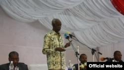Mwenyekiti wa tume ya mabadiliko ya katiba Jaji mstaafu Joseph Warioba.