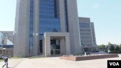 在莫斯科的天然氣工業公司總部(美國之音白樺拍攝)