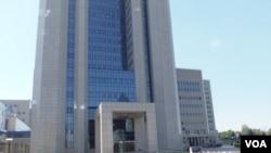 在莫斯科的天然气工业公司总部(美国之音白桦拍摄)