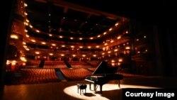 Phần lớn các phòng hòa nhạc và nhạc viện ở Hoa Kỳ đều có chiếc đàn dương cầm do Steinway & Son sản xuất ((Photo courtesy of Steinway & Sons)