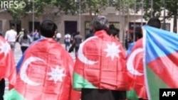 Dünya Azərbaycanlıları Konqresi İran səfirliyi qarşısında etiraz edib