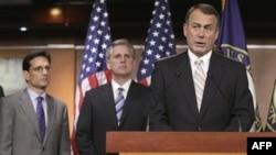 Chủ tịch Hạ viện John Boehner của đảng Cộng hòa phát biểu trong cuộc họp báo tại Quốc hội, ngày 19/7/2011