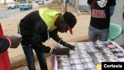 Rey Daddyx Manda Chuva autografando CD