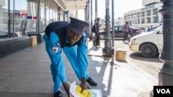 The Bulawayo City Council continued its crackdown on vendors Tuesday. (Courtesy Photo: Zinyange Auntony)
