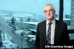 Načelnik Ilijaša Akif Fazlić mogao je ilegalnu gradnju pratiti s prozora svog ureda (Foto: CIN)