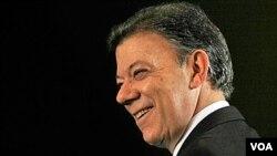 En referencia a la Ley de Inteligencia, Santos aclaró que de ninguna manera coarta libertades.