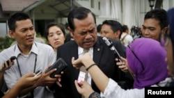 Jaksa Agung Muhammad Prasetyo berbicara kepada jurnalis mengenai hukuman mati di Istana Negara, Jakarta. (Foto: Dok)
