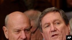 Former Undersecretary of State Thomas Pickering, left, and former United Nations Ambassador, the late Richard Holbrooke (File Photo)