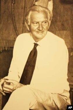 Pioneer ethnomusicologist Hugh Tracey