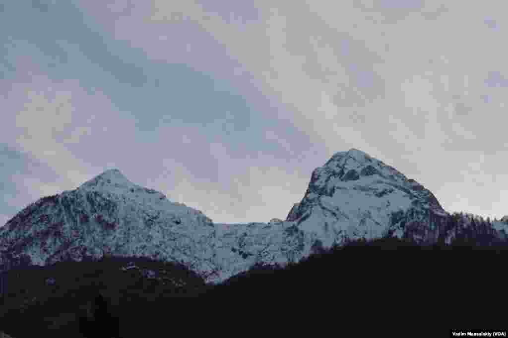 Снежные вершины.