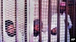 지난 2006년 9월 극단주의 무장 세력 '타우히드와 지하드' 대원들이 이집트 카이로 법원에서 테러 혐의로 사형을 선고 받았다. (자료사진)