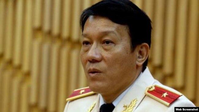 Tại cuộc gặp báo giới vào chiều 7/8, thiếu tướng Lương Quang Tam cho hay Cục chống buôn lậu sẽ sáp nhập với Cục cảnh sát phòng chống tội phạm tham nhũng. Photo VNExpress
