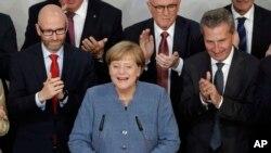 ၀န္ႀကီးခ်ဳပ္ Angela Merkel