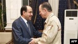 Thủ tướng Iraq Nouri al-Maliki và Chủ tịch ban Tham mưu Liên quân Đô đốc Mike Mullen tại Baghdad, ngày 2/8/2011