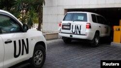 Otomobîlên lêvekolên Neteweyên Yekbûyî li Sûriyê.