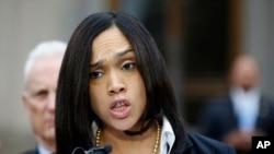 巴尔的摩检察长玛丽莲·莫斯比(Marilyn Mosby)5月1日在巴尔的摩对外讲话。
