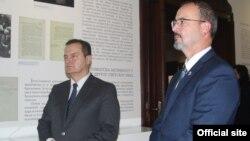 Entoni Godfri i Ivica Dačić u Muzeju srpske diplomatije u Beogradu (Foto: Ministarstvo spoljnih poslova Srbije)
