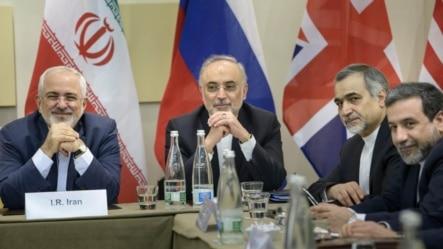 Từ trái: Ngoại trưởng Iran Javad Zarif, người đứng đầu ngành hạt nhân Iran Ali Akbar Salehi, Trợ lý đặc biệt cho Tổng thống Iran Hossein Fereydoun, và Thứ trưởng Ngoại giao Iran Abbas Araghchi chờ đợi để bắt đầu cuộc đàm phán tại Lausanne, Thụy Sĩ.