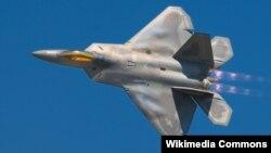 Літак F-22 Raptor