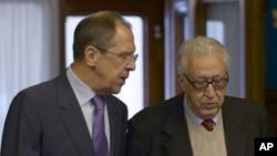 Sergey Lavrov û Lexder Brahîmî li Moskow, roja Şembî, 29'ê Meha 12, 2012.