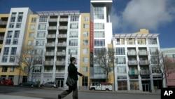 Proyecto habitacional en San Francisco. Las ventas de nuevas viviendas aumentaron considerablemente en agosto.