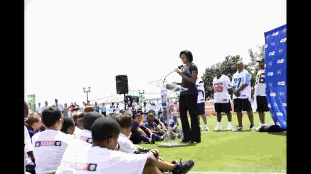 La primera dama Michelle Obama durante un evento de promoción en el parque Woldenberg, en Nueva Orleans (8 de septiembre de 2010).