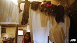 В лагере беженцев и Ингушетии. 2004г