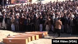 امروز از جملۀ ۱۲ قربانی مهاجرت به اروپا، اجساد هفت پسر کاکا را از ترکیه به کابل آوردند که اعضای دو خانواده اند.