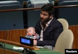 کلارک گیفورد با دخترش نیو، مجمع عمومی سازمان ملل متحد