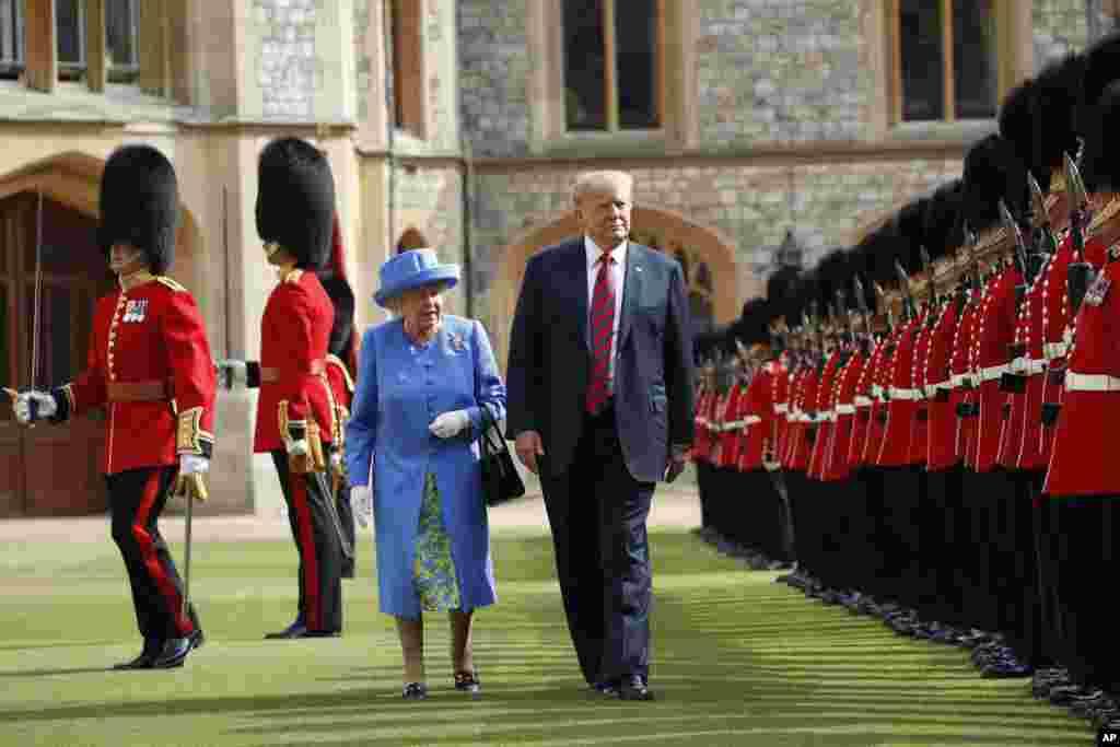 ادای احترام گارد سلطنتی مقابل پرزیدنت ترامپ و ملکه الیزابت در کاخ ویندزور