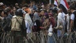 حضور مخالفان دولت حسنی مبارک در میدان تحریر قاهره - یکشنبه ۶ فوریه ۲۰۱۱