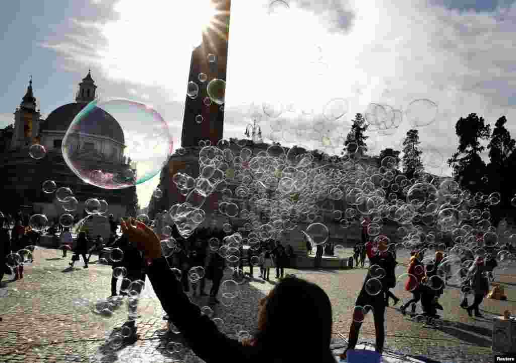 حباب بازی کودکان در ایتالیا
