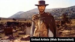 """Клинт Иствуд в картине """"Хороший, Плохой, Злой"""" 1966 года"""