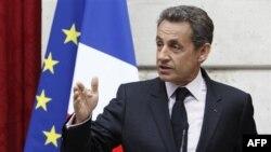 Türkiyə Fransa prezidentinin Ermənistanda olarkən soyqırım barədə söylədiklərini sərt tənqid edib