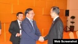 Phó Thủ tướng Hoàng Trung Hải và Thủ tướng Trung Quốc Ôn Gia Bảo.
