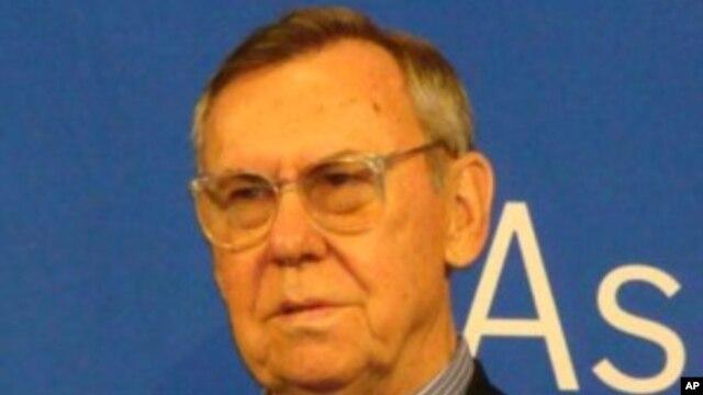 گری سیک عضو اسبق شورای امنیت ملی آمریکا در دوران ریاست جمهوری پرزیدنت فورد، جیمی کارتر و رونالد ریگان
