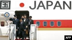 Прибытие премьер-министр Японии Есихико Нода в США
