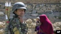17일 동부 로간 지역을 순찰 중인 아프간 병사.