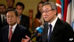 Ngoại trưởng Kim Sung-hwan của Nam Triều Tiên tuyên bố Bắc Triều Tiên sẽ phải chịu trách nhiệm về bất cứ hậu quả nào của hành động khiêu khích này.