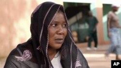 Cô Adjaratou Kinda ở Burkina Faso biết mình bị ung thư cổ tử cung thì đã quá trễ