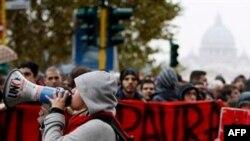 Mijëra studentë protestues bllokuan qendrën e Romës