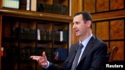Tổng thống Syria Bashar al-Assad nói trong cuộc phỏng vấn với đài truyền hình Nga RU24 ở Damascus hôm 12/9/13 rằng Syria sẽ gửi hồ sơ đến Liên hiệp quốc để xin gia nhập công ước cấm võ khí hạt nhân