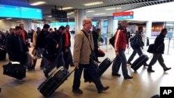 保加利亚飞机把保加利亚人、中国人等从利比亚运到索非亚