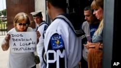 Una familiar de uno de los tripulantes del submarino argentino desaparecido llama la atención sobre su causa.