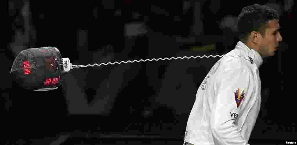 El venezolano Rubén Limardo Gascón se llevó todo, el oro y el cable, en la esgrima individual.
