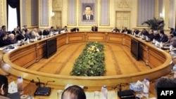 Phó Tổng Thống Ai Cập Omar Suleiman họp với các nhà lãnh đạo Hồi giáo ở Cairo, Ai Cập, Chủ Nhật 6/2/2011