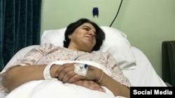 مریم ممبینی، همسر کاووس سیدامامی، هفته گذشته در بیمارستان بستری شد.
