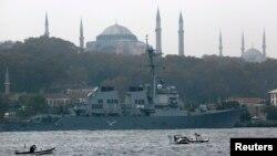 Kapal Angkatan Laut Amerika Serikat USS Ross di Istanbul. (Foto: Ilustrasi)