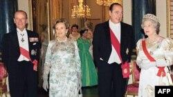 Fransa'nın Eski Cumhurbaşkanı Yolsuzluktan Suçlu Bulundu
