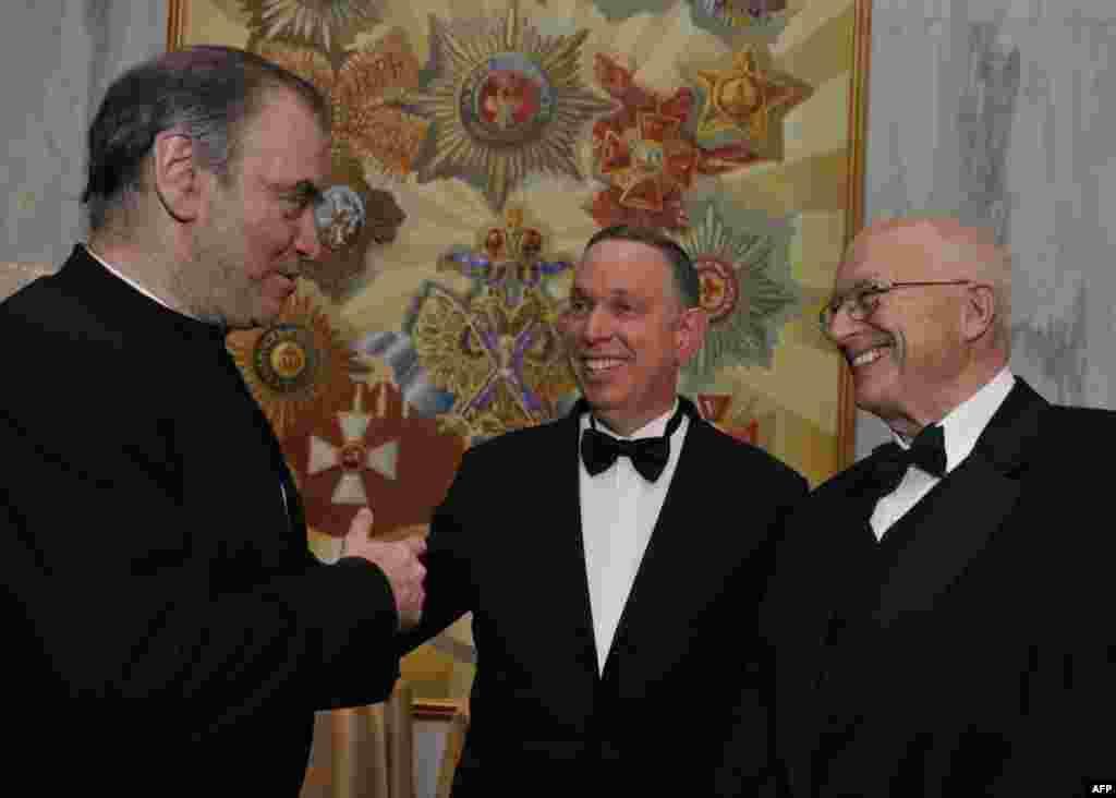 Дирижер Валерий Гергиев, Майкл Кайзер и экс-директор Информационного агентства США Джозеф Дафи